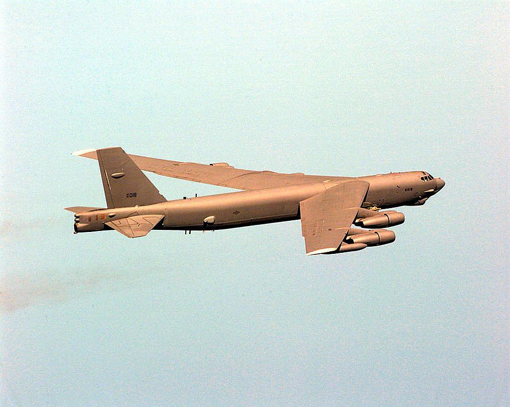 B-52 heads for Yugoslavia